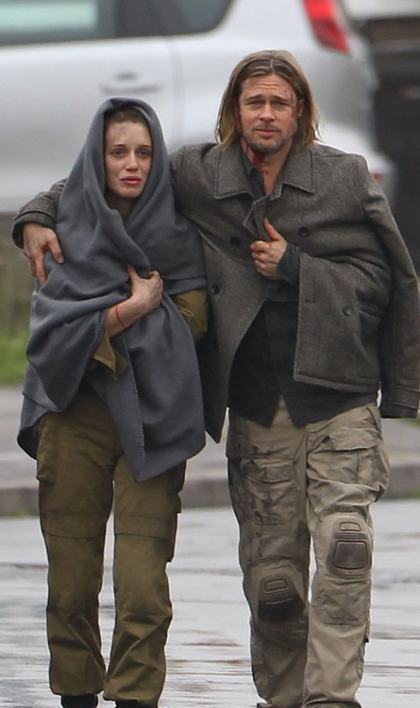 "Exclusive... Brad Pitt Heads Back Into ""World War Z"" NO INTERNET USE WITHOUT PRIOR AGREEMENT"