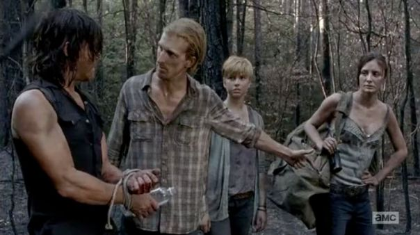 5-things-you-might-have-missed-in-the-walking-dead-always-accountable-714849